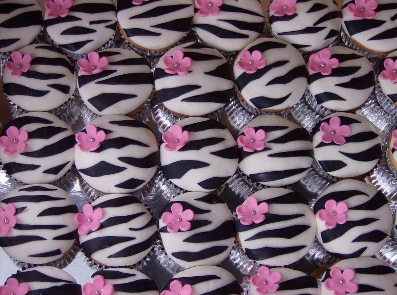 Cupcakes de zebrinha (massa, cobertura e forminha)