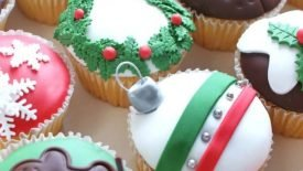 christmas_cupcakes_by_verusca-d4kqv0n
