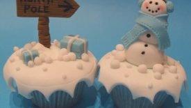 xmas_cupcakes__by_rebeccarosebrine-d341un6