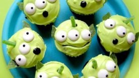 toy-story-green-alien-cupcakes-420x420