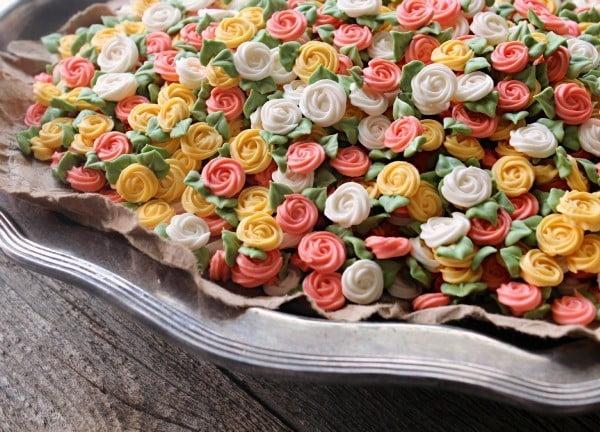 Flores de açúcar para enfeitar cupcakes