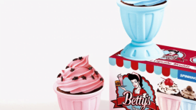 betty-s-old-fashioned-diner-cupcake-molds-40