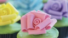 Loopy-Roses-Cupcakes-1-large