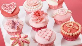 Soft-and-Sophisticated-Valentines-Day-Cupcakes-Scene-large