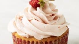 Cupcakes de morango com buttercream delicioso 1