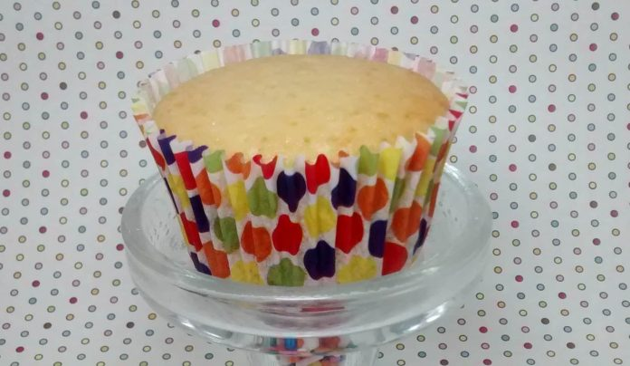 Cupcakes de baunilha (sem manteiga) 1