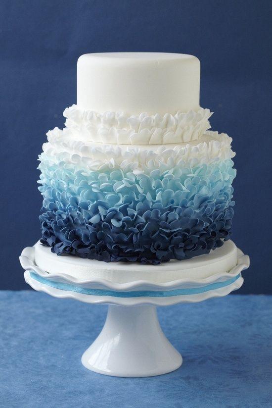 Bolos com babados (Ruffle cakes)