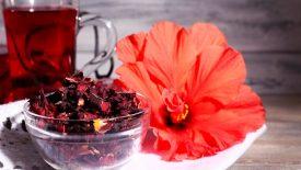 Cupcakes de baunilha com buttercream de hibisco (ou frutas vermelhas) 2
