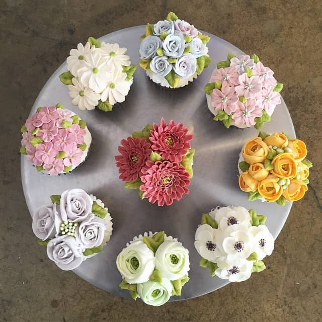 Flower cakes 24
