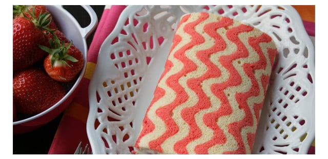 Fonte: http://andcute.com/how-to-make-a-chevron-zig-zag-cake-roll